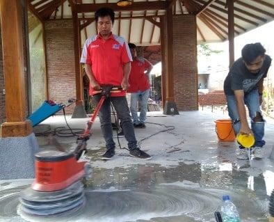 Jasa Poles Lantai Teraso Denpasar Bali