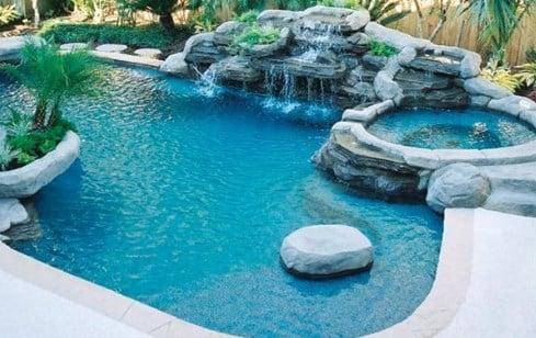 harga kolam renang di Bali