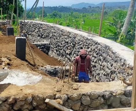 Pengerjaan kolam renang Denpasar