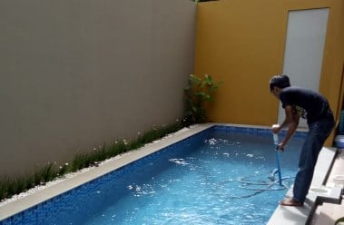 maintenance kolam renang