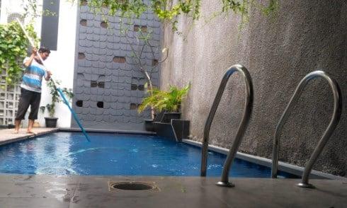 perawatan kolam renang pribadi